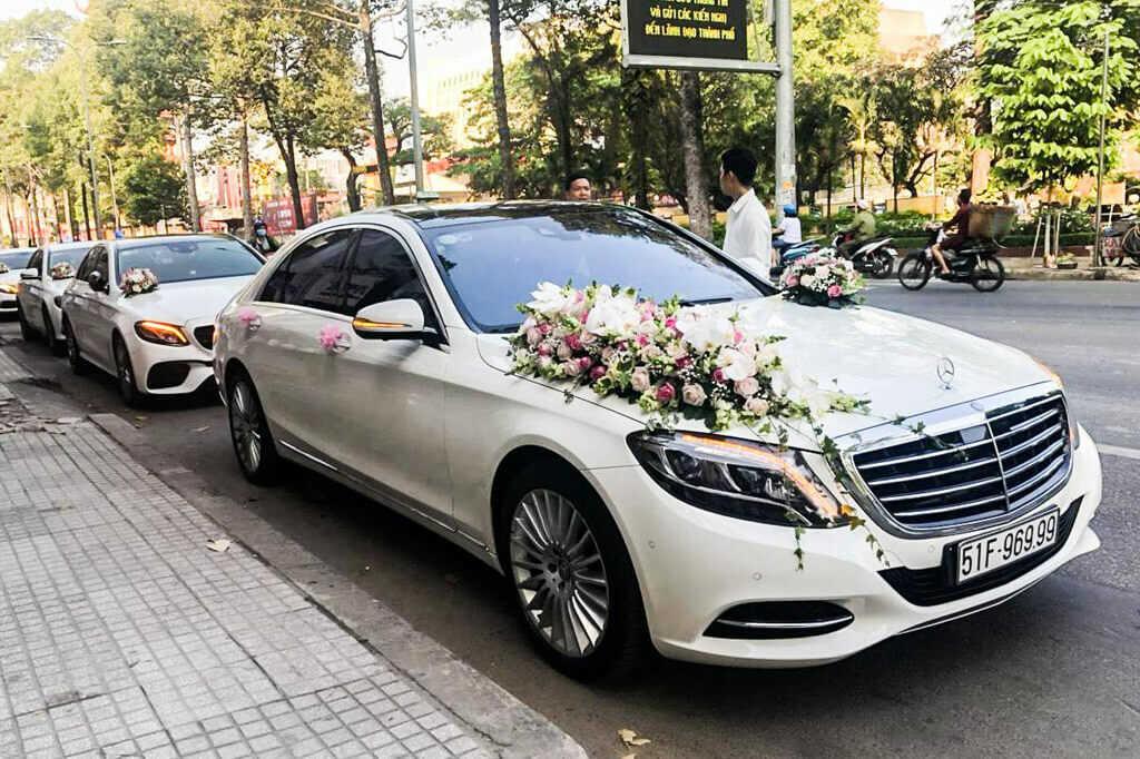 cho thuê xe hoa Mercedes