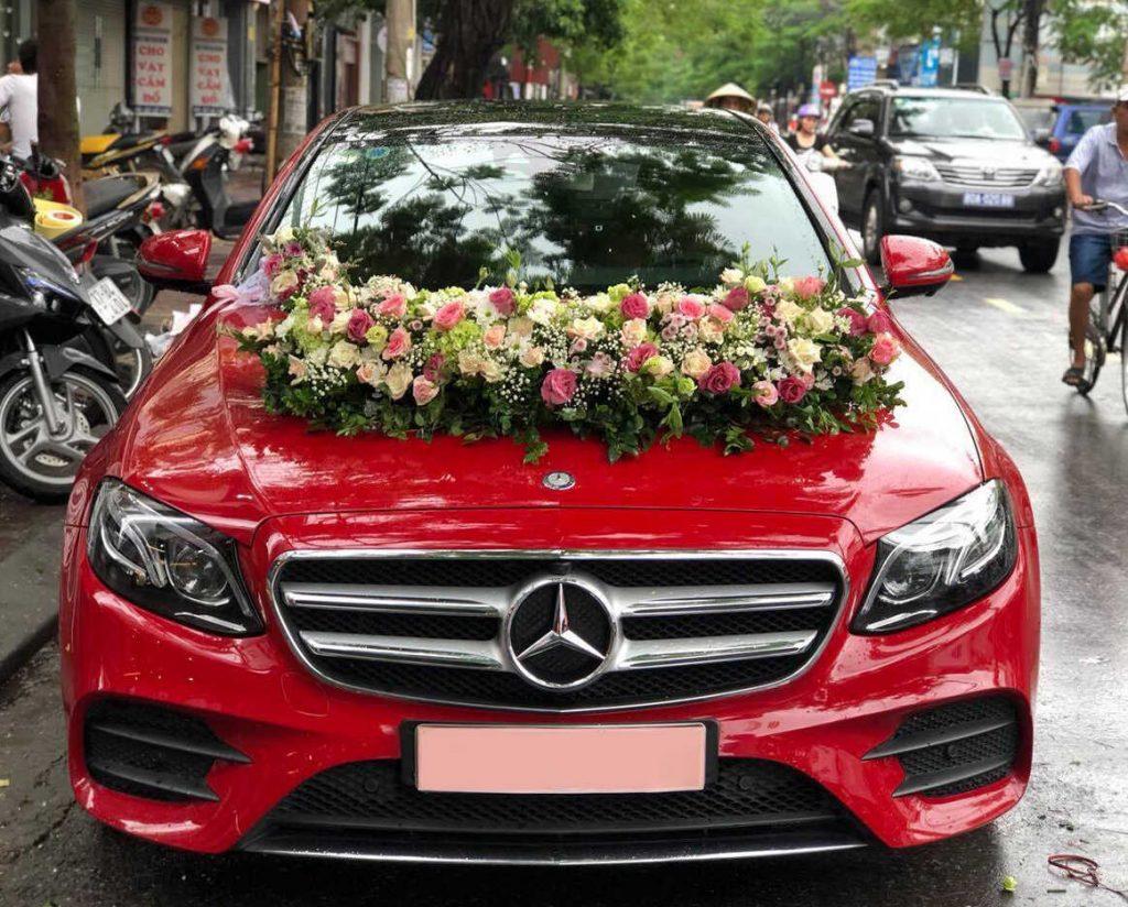 thuê xe hoa Mercedes đỏ