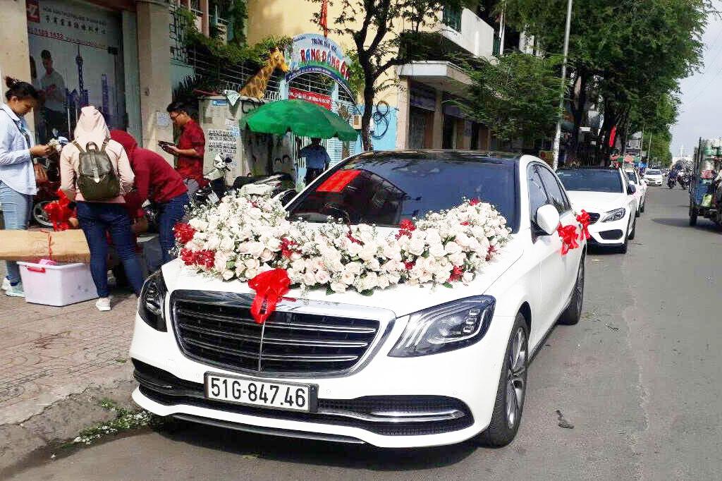 thuê xe hoa Mercedes s450
