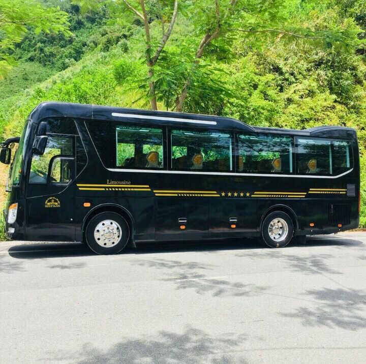 hình ảnh xe du lịch limousine